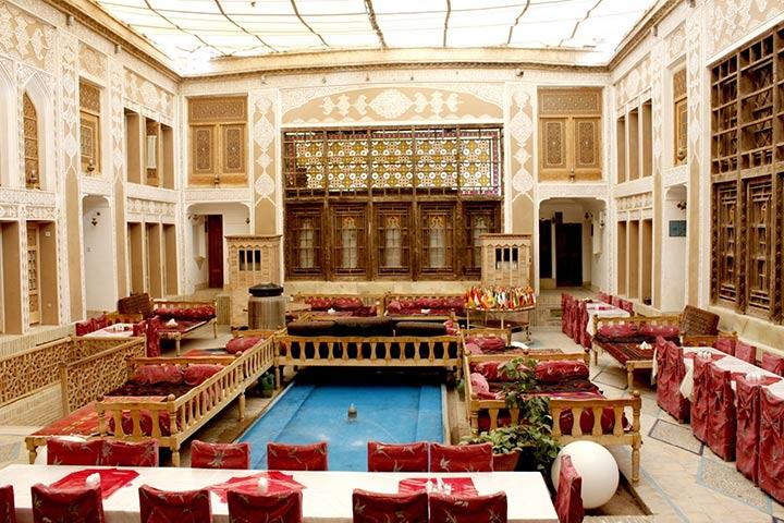 رستوران هتل ملک تجار | از بهترین هتل های یزد
