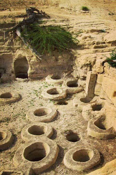 چاه های تلا | از جاذبه های روستای لافت