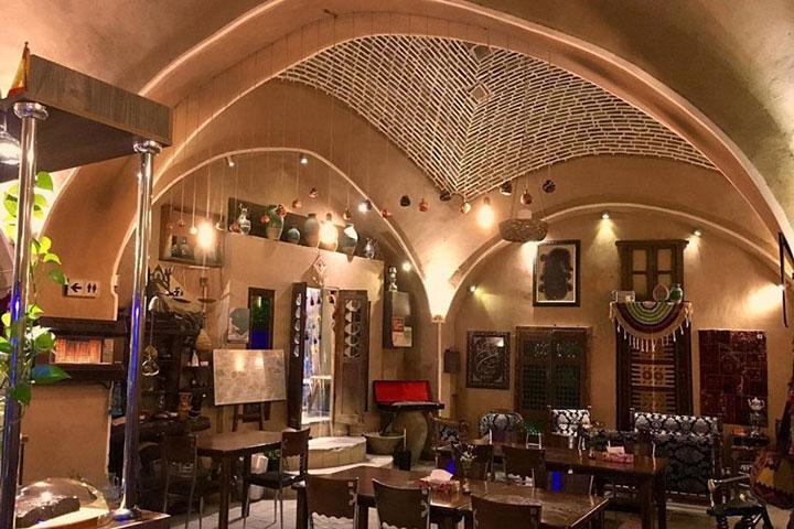 کافه رستوران ایرانی قدیمی