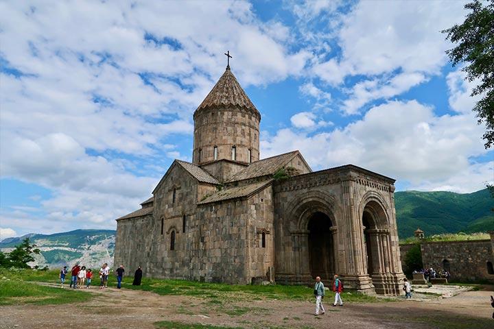 صومعه تاتو | کلیسای پل و پیتر مقدس