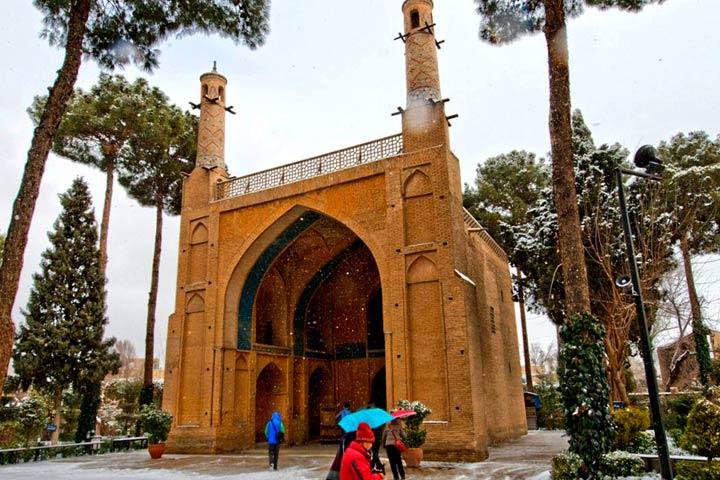 منارجنبان اصفهان از عجایب مناطق دیدنی اصفهان