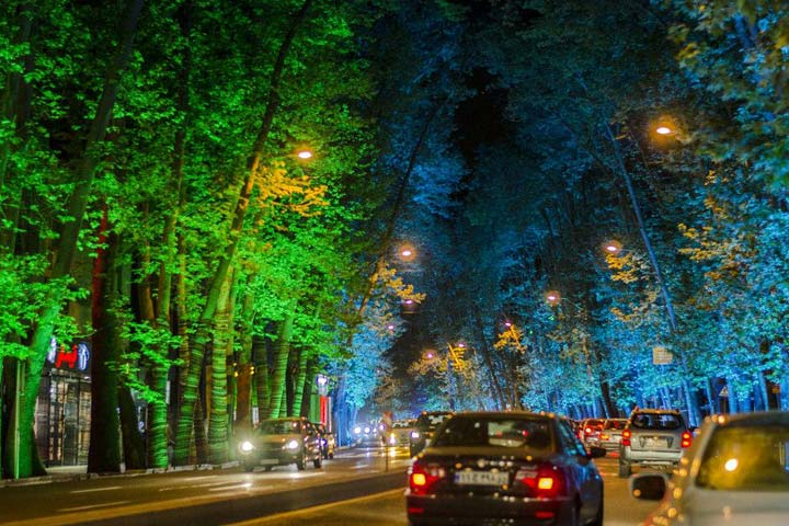 خیابان ولیعصر یکی از زیباترین خیابانهای دنیا