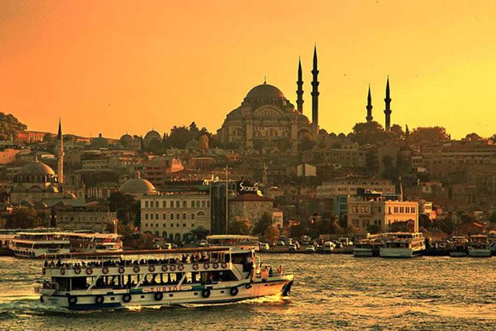 کشتیسواری در تنگه بسفر - از مراکز تفریحی استانبول