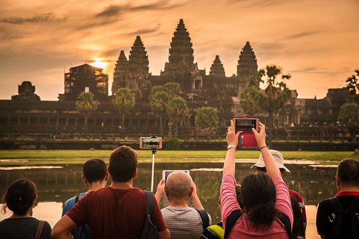 انکگور وات از مشهورترین جاهای دیدنی کامبوج و شهر پنوم پن