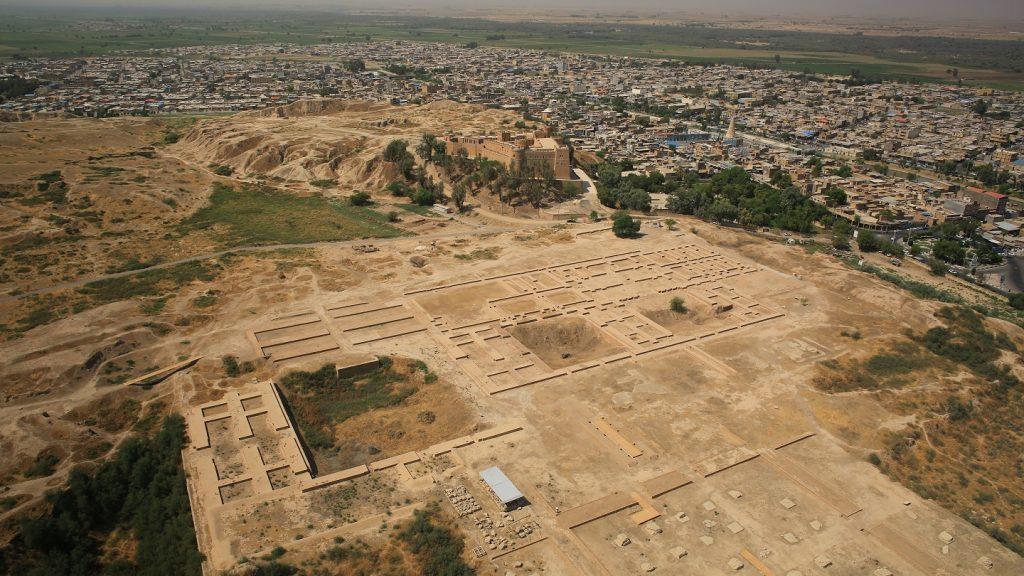 کاخ آپادانا شوش ؛ کاخ پر حادثه تاریخی