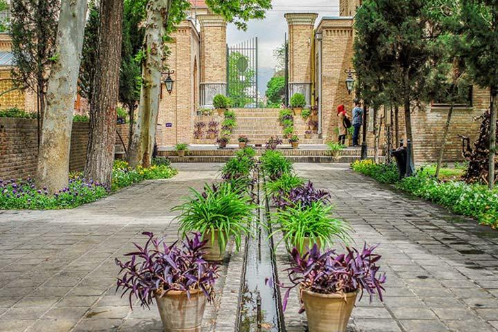 جاهای دیدنی تهران در روز جمعه