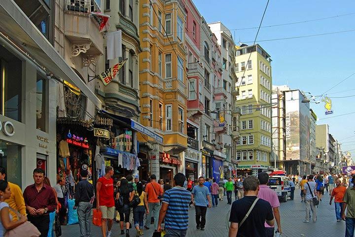ساختمان های خیابان استقلال استانبول