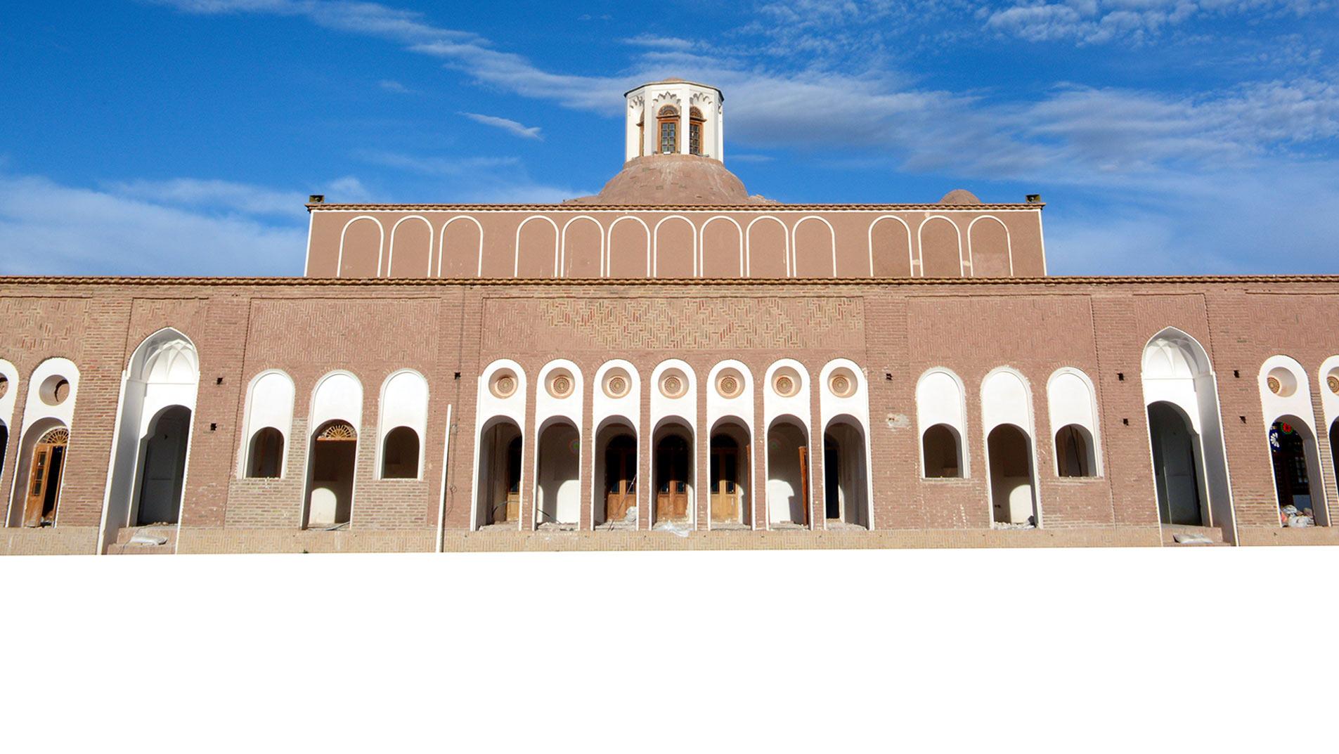 خانه حاج آقا علی ، عمارتی قاجاری و بزرگترین خانهی خشتی دنیا