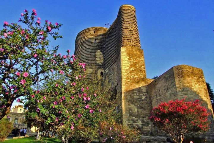 قلعه دختر | مکان های دیدنی باکو