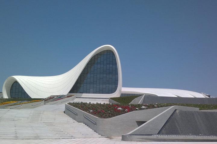 مرکز فرهنگی حیدر علیاف | جاهای دیدنی باکو