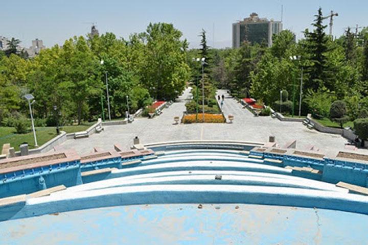 آبنمای پلهای پارک ملت