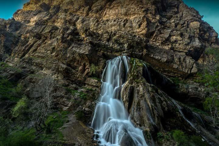 آبشار آب سفید | از جاهای دیدنی لرستان