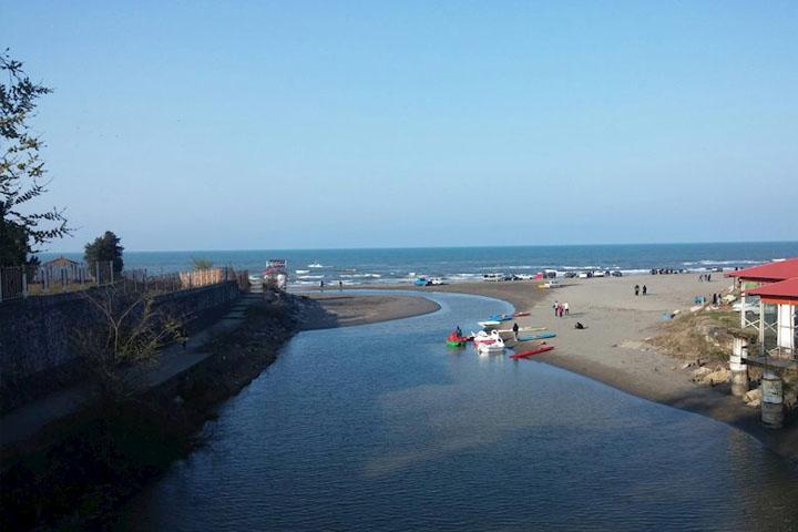 بخش ساحلی نمک آبرود
