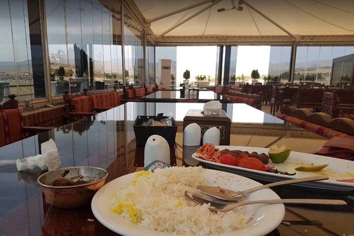 رستوران سنتی تالار شهر