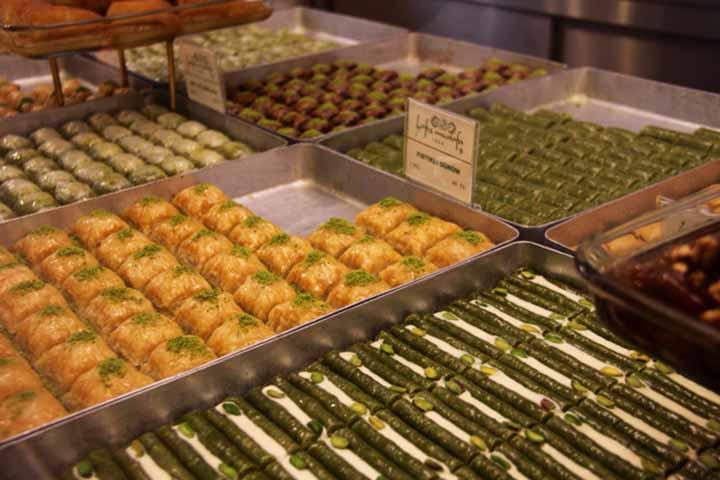 شیرینی و باقلوا | سوغات استانبول
