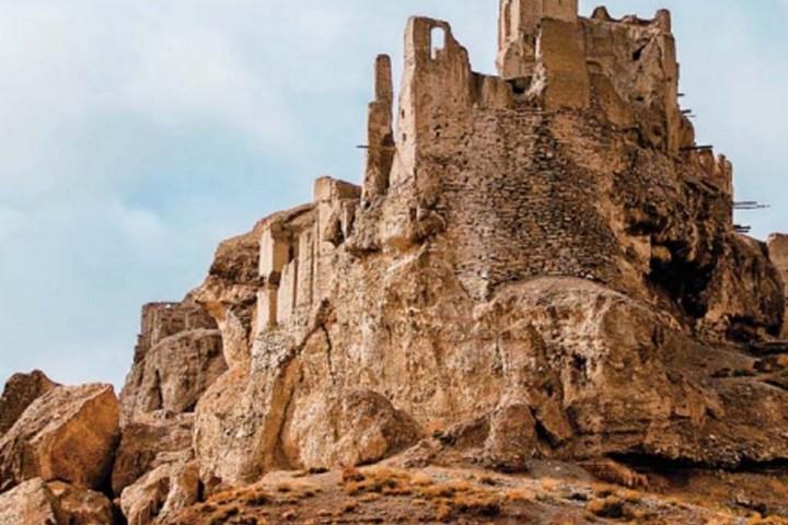 قلعه ایزدخواست