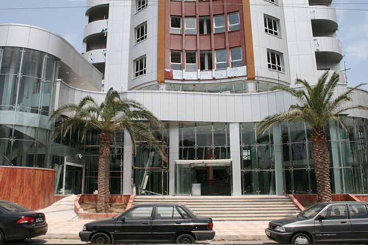 مرکز خرید نادری | مراکز خرید لاهیجان
