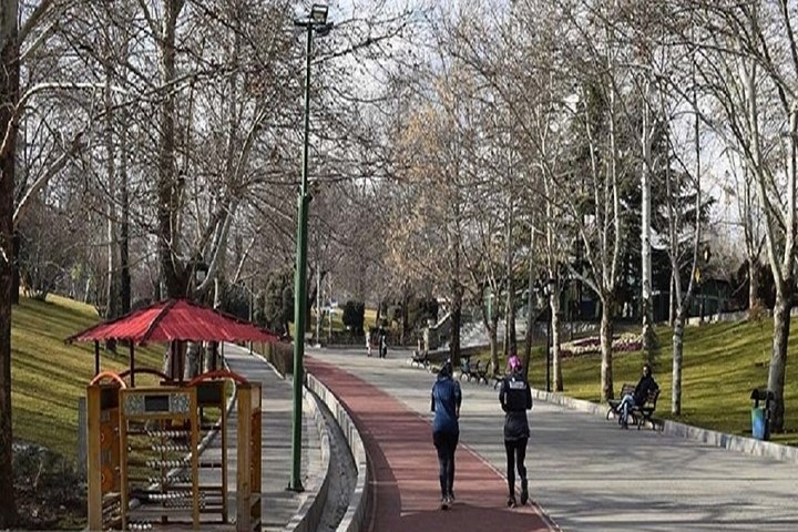 پیاده روی پارک ملت
