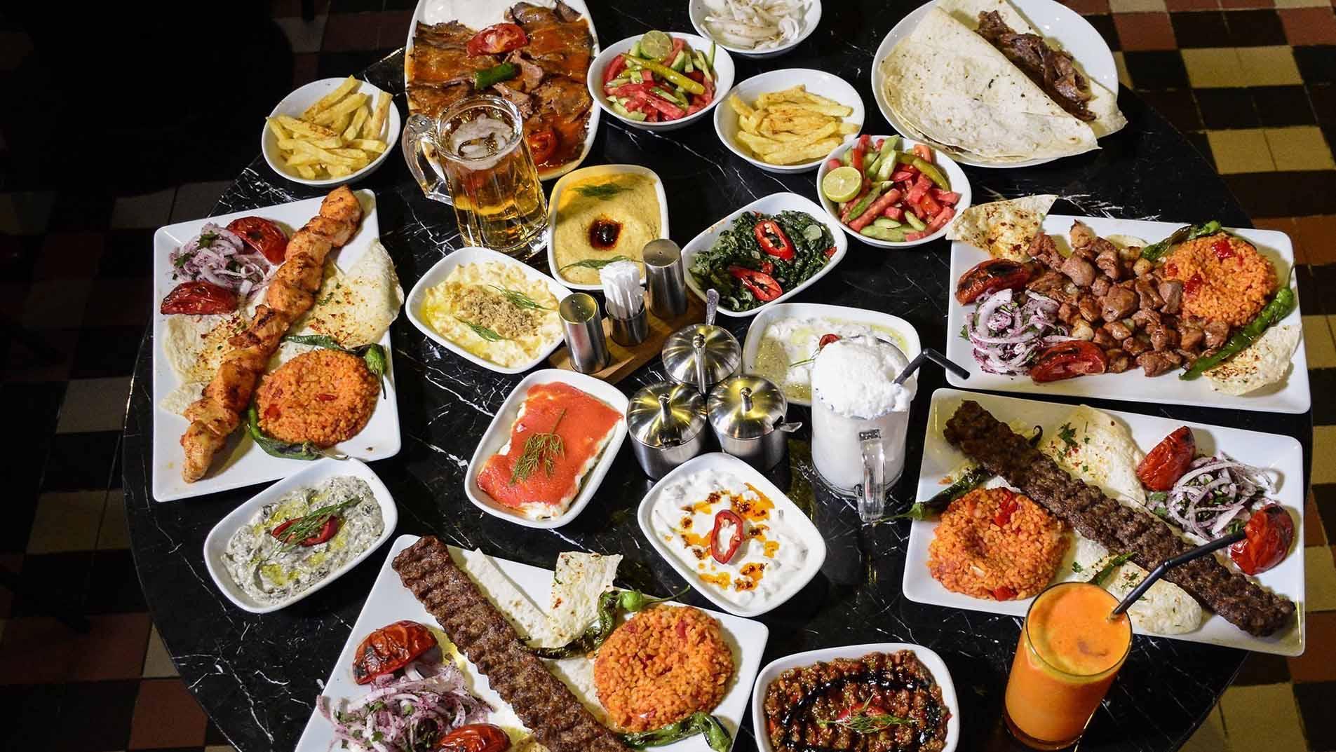 رستوران های گیلان ، معرفی جاهایی برای یک شکمگردی لذتبخش در استان باران و دریا