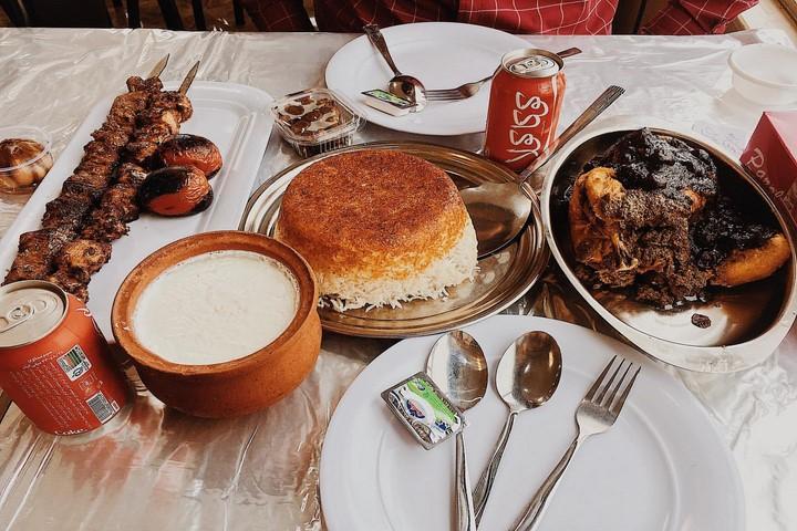 رستوران خاور خانوم