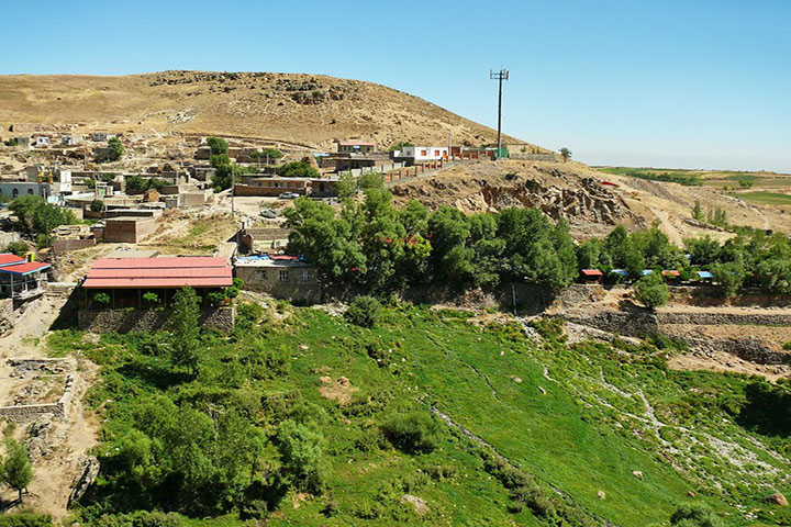 روستای ویلادره   از دیدنی های سرعین