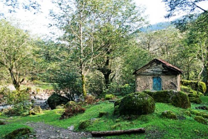 روستا و چشمه آبگرم کوته کومه