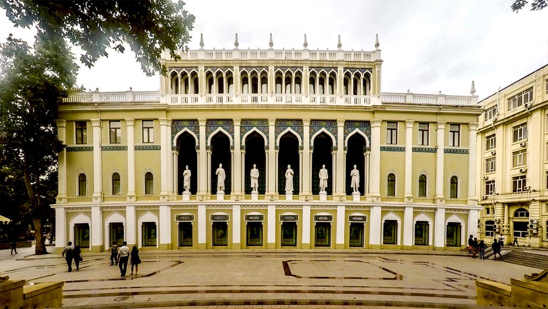 موزه ادبیات نظامی ؛ آوازه شاعر ایرانی در باکو
