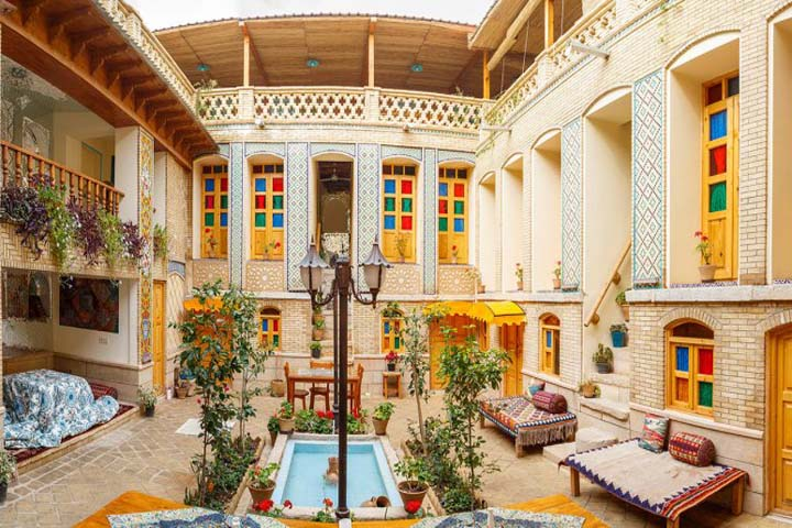 سرای همایونی شیراز