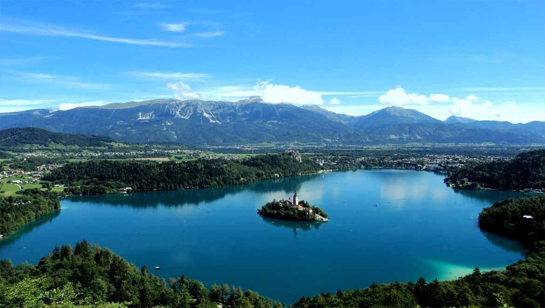 دریاچه بلد اسلوونی ، شاهکاری رویایی از طبیعت در دل کوههای آلپ