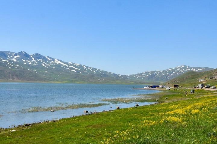 دریاچه نئور | مسیرهای پیاده روی ایران