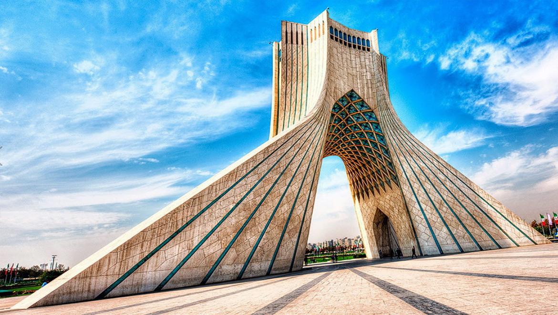 میدان آزادی ؛ بزرگترین میدان پایتخت و میزبان نماد شکوهمند تهران