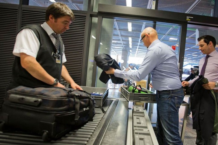 وسایل غیر مجاز در هواپیما