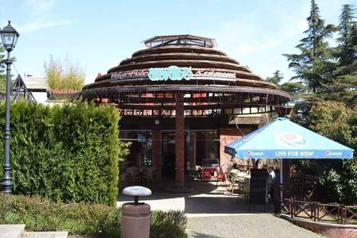 کافه رستوران پارک متاتسمیندا تفلیس