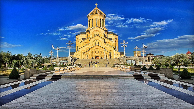 کلیسای جامع تثلیث ، نماد شهر تفلیس