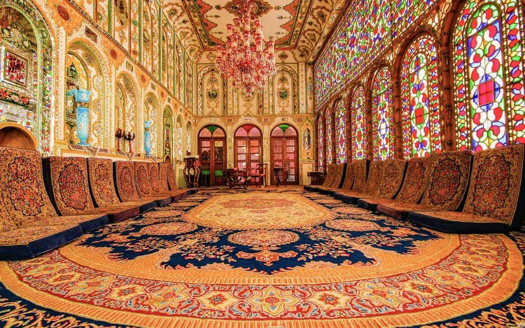 خانه معتمدی اصفهان ، خانهای غرق در نور و رنگ