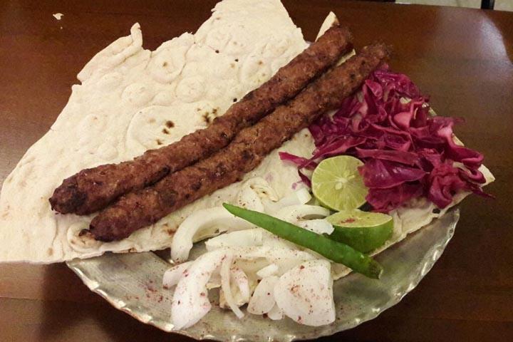 رستوران بی کباب