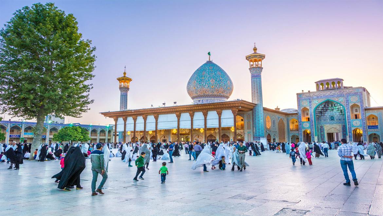شاهچراغ شیراز ؛ حس خوب زیارت در فضایی معنوی