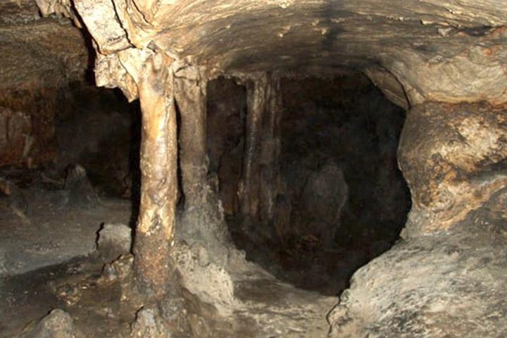 غار یکه چاه
