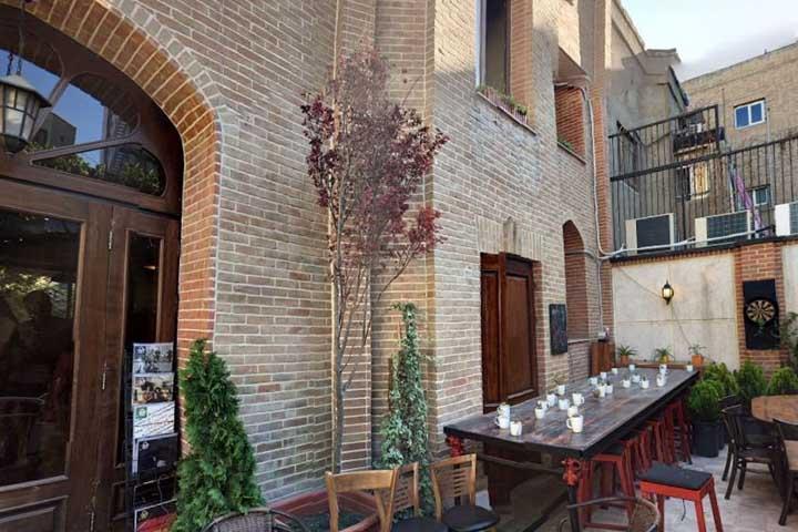 فضای باز کافه دیاموند تهران