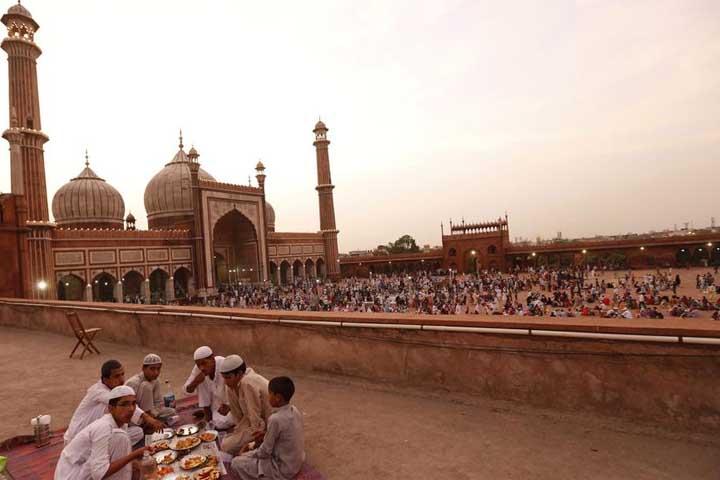 مسجد جامع در رمضان