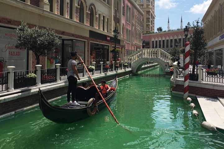 گاندولاسواری در ونیزِ