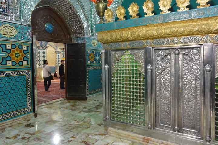 صحن امامزاده داوود