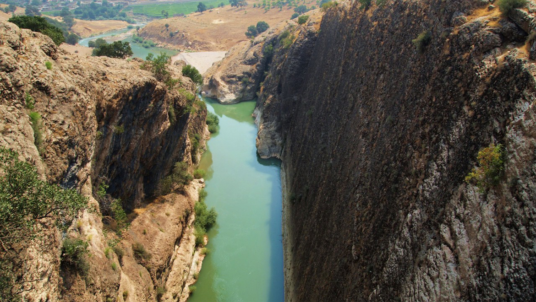 رفتینگ رودخانه ارمند ؛ تجربهای مهیج در دل آبهای خروشان