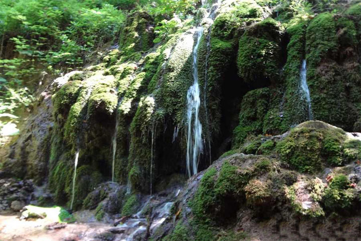 آبشار زیبای اوبن