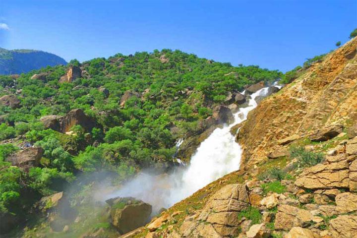 آبشار نگین | از جاهای دیدنی مسجد سلیمان
