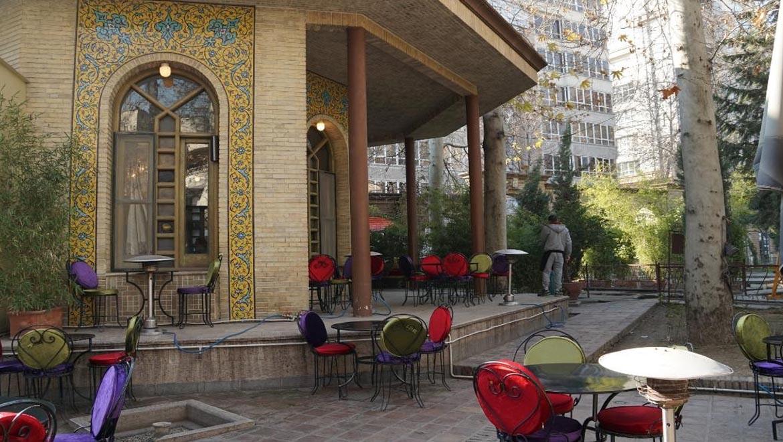 کافه چای بار تهران ؛ کافهای باصفا و خاطرهانگیز در شمال تهران