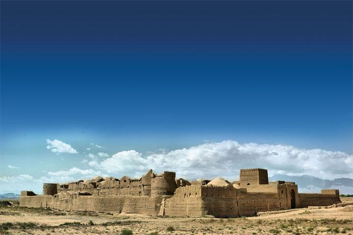 قلعه سریزد کجاست؟ | بزرگترین صندوق امانات بانکی ایران و جهان