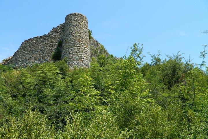 قلعه مارکوه | مکان های دیدنی رامسر
