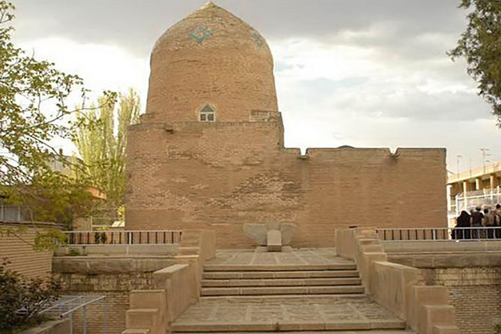 مقبره استر و مردخای یهودی در همدان