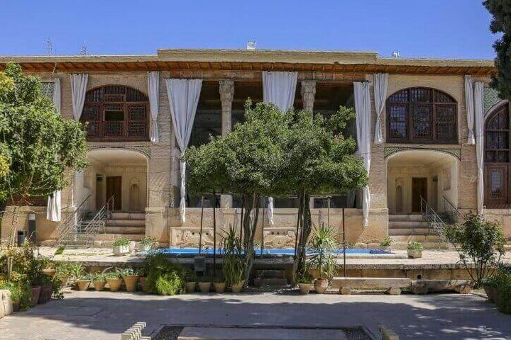 جاهای دیدنی شیراز - موزه سنگ